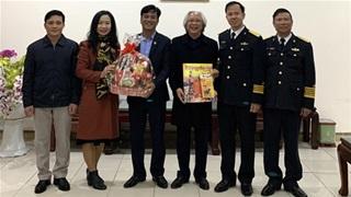 Tạp chí Bóng đá thăm và chúc tết Lữ đoàn 147