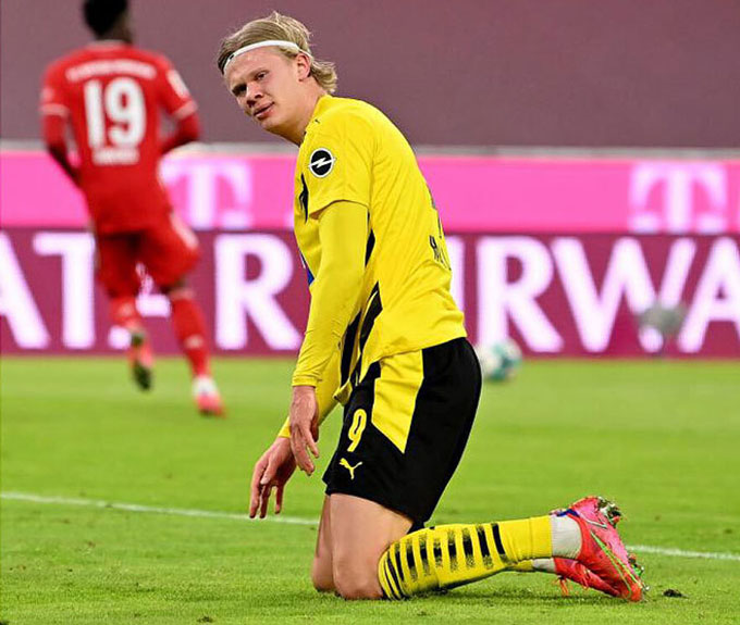 Haaland cần tìm một bến đỗ lớn hơn khi anh dù nỗ lực vẫn không thể giúp Dortmund bám đuổi Bayern