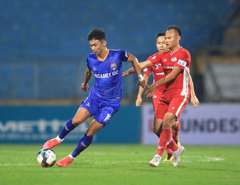 Viettel (phải) đang rất khát chiến thắng trên sân nhàẢnh: Minh Tuấn