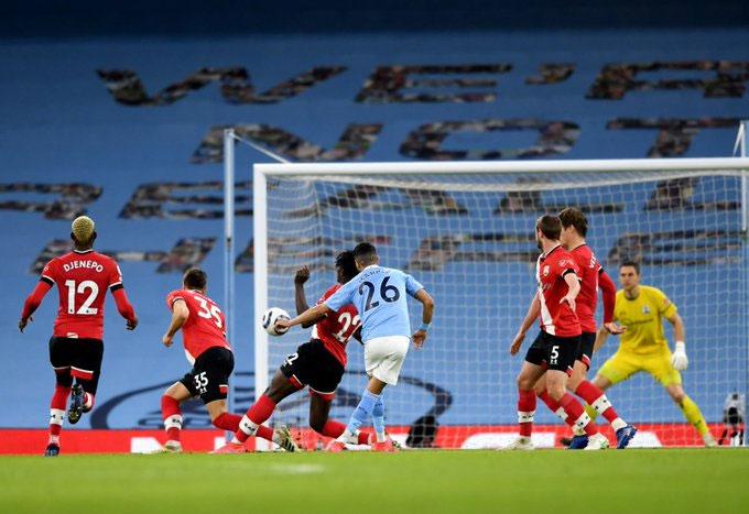 Cả 2 bàn thắng Mahrez ghi được đều rất đẹp