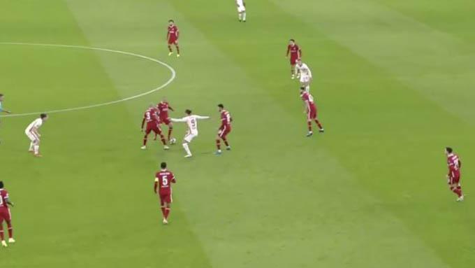 Thiago và Fabinho có màn trình diễn đáng khen ngợi khi Liverpool thắng Leipzig