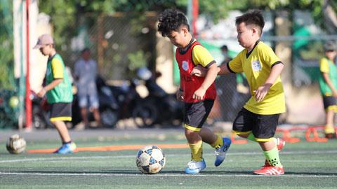 Các trung tâm bóng đá cộng đồng lao đao mùa dịch