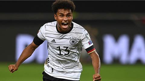 Adeyemi, từ món hàng thải của Bayern tới phát hiện mới trên hàng công ĐT Đức