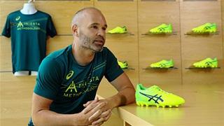 Cựu sao Barcelona kinh doanh giày thể thao