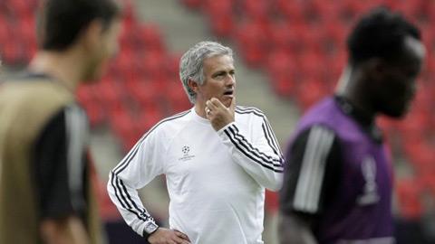 Từ bỏ Rooney, Mourinho tuyên bố khép lại mùa shopping