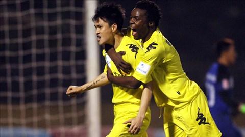 Bình luận V-League: Công & Vinh!