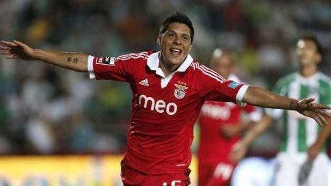 """Moyes đích thân sang Bồ xem """"giò cẳng"""" sao Benfica"""