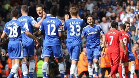 Liverpool 0-2 Chelsea: Sai một ly, nguy cả mùa