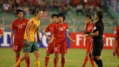 Trọng tài đã sai trong tình huống thổi phạt gián tiếp ĐT Việt Nam