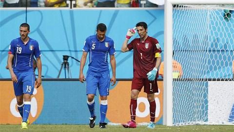 Italia 0-1 Uruguay: Tạm biệt thiên thanh