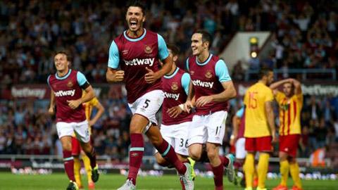 West Ham vào vòng sơ loại thứ 3 Europa League sau chiến thắng trên chấm 11m