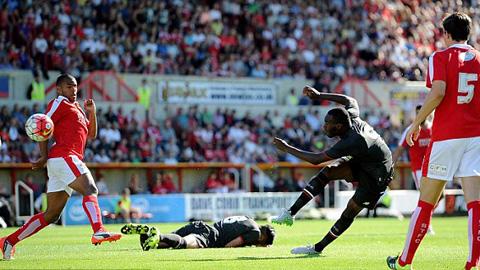 Benteke ghi bàn tuyệt đẹp ở trận ra mắt Liverpool