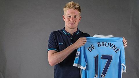 De Bruyne ra mắt Man City, nhận áo số 17