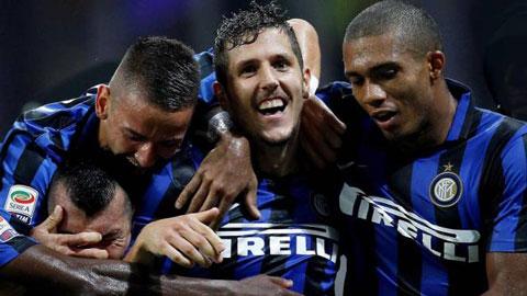 Serie A vòng 2: Inter thắng nhọc, Lazio thảm bại