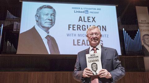 """Sir Alex Ferguson: Ghen với Rooney, vồ hụt Ro """"béo"""""""