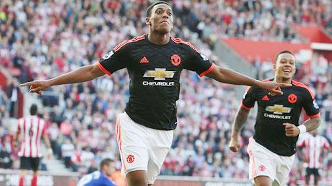 Martial mang luồng sinh khí trẻ trở lại Old Trafford