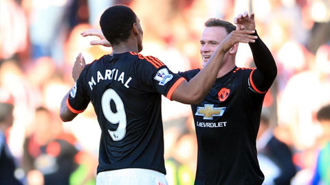 Rooney vs Martial: Quá khứ đối mặt tương lai
