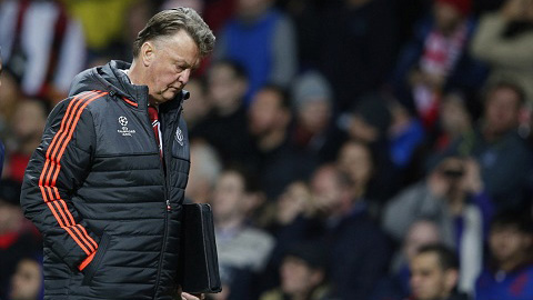 M.U nguy cơ bị loại khỏi Champions League: Những con số vô nghĩa của Van Gaal