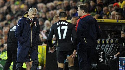 Sanchez chấn thương, HLV Wenger bị chỉ trích