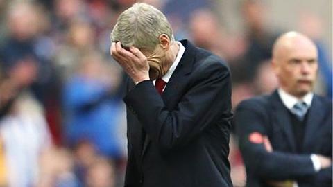 Vì sao bão chấn thương luôn đổ bộ xuống Arsenal?