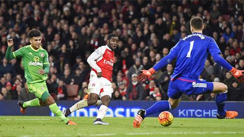 Arsenal 3-1 Sunderland: Pháo thủ vươn lên nhì bảng