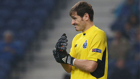 Casillas bị ám ảnh bởi khát khao đánh bại Chelsea của Mourinho