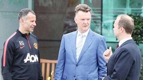 Van Gaal sẽ không bị M.U sa thải