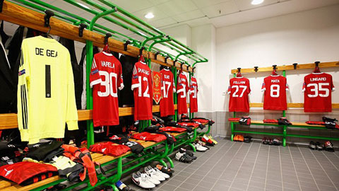 M.U chỉ trích Wolfsburg và BTC Premier League sau khi bị loại ở Champions League