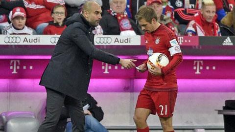 """Pep """"vẽ bùa"""" gửi Lahm, Bayern lập tức thắng"""