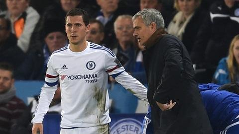 Hazard tự quyết định rời sân khi dính chấn thương
