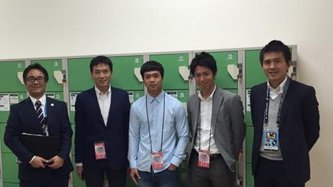 Ngày 23/12, Công Phượng ký hợp đồng với Mito Hollyhock tại Hà Nội
