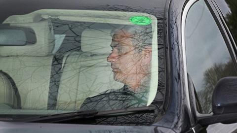 Chelsea thống nhất mức đền bù nếu sa thải Mourinho, có thể bổ nhiệm Hiddink