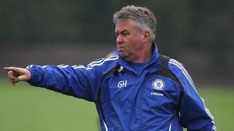 Hiddink nhiều khả năng thay Mourinho dẫn dắt Chelsea