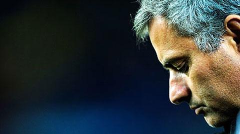 Những khoảnh khắc tồi tệ nhất trong sự nghiệp Jose Mourinho