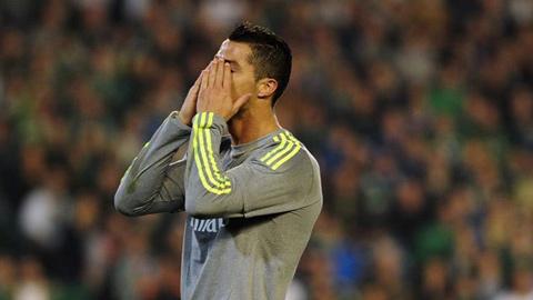 Ronaldo tịt ngòi, Real hòa may mắn trước Betis