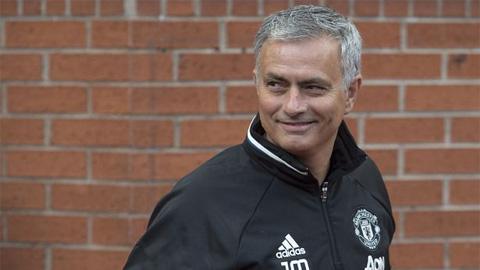 HLV Mourinho loại bỏ tàn tích của Van Gaal ở M.U
