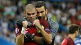 HLV V.League hết lời ngợi khen hàng thủ Bồ Đào Nha