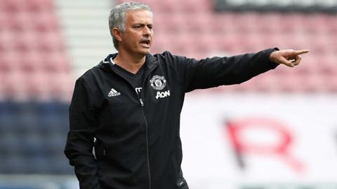 Mourinho lại than vãn vì lịch thi đấu của M.U