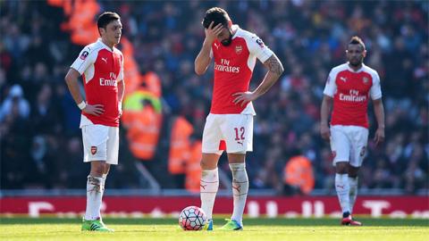 10 vấn đề nhức nhối đang kéo tụt Arsenal