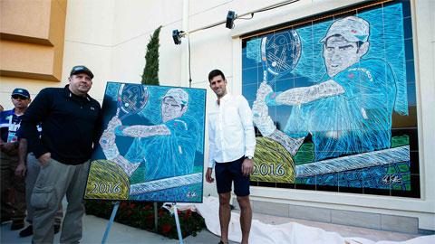 Djokovic khánh thành bức tranh vẽ mình tại Indian Wells