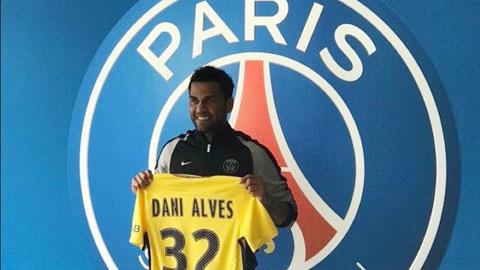 Daniel Alves ký 2 năm với PSG, hưởng lương 'khủng'