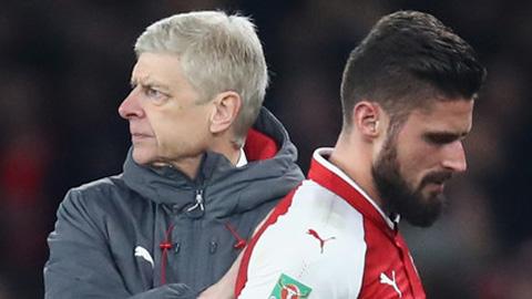 Dính chấn thương, Giroud nguy cơ lỡ đại chiến Arsenal - Liverpool