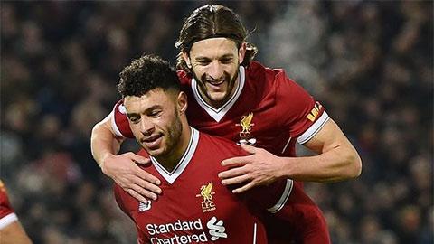 Oxlade-Chamberlian không vui dù ghi bàn cho Liverpool