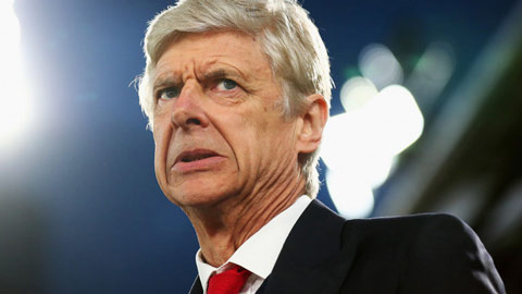 Wenger: Tiền đang hủy hoại bóng đá