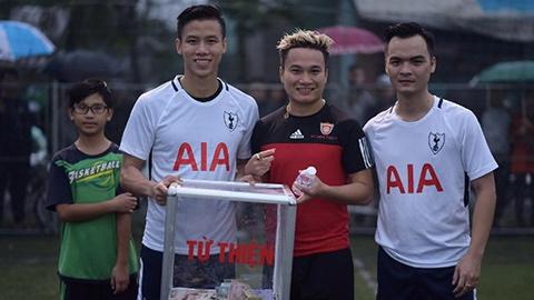 Phi Sơn, Hoàng Thịnh về quê Công Phượng đá bóng từ thiện