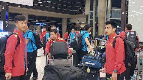 ĐT Việt Nam cập bến Jordan sau hành trình 15 tiếng