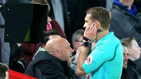 UEFA từ chối sử dụng VAR ở Champions League