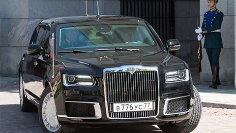 Cận cảnh chiếc limousine do Nga tự sản xuất, đưa ông Putin đi nhậm chức Tổng thống