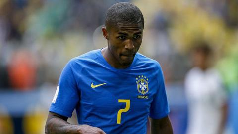 Douglas Costa khả năng sớm chia tay World Cup