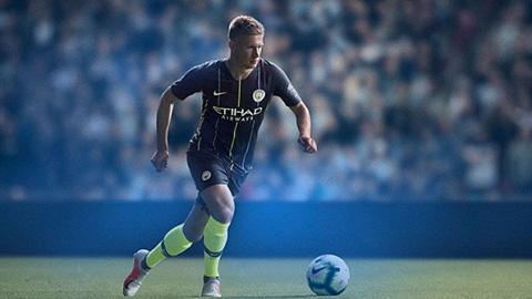 Man City ra mắt áo sân khách mùa giải 2018/19